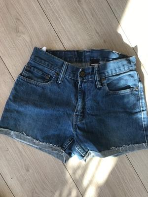 Levi's denim shorts w28