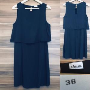 Donkerblauw jurkje