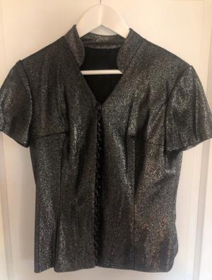 Glitter top with cute buttons