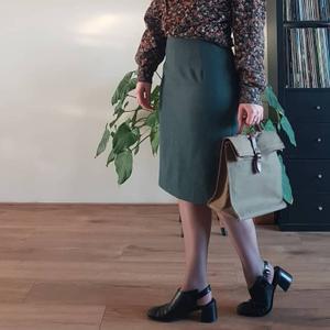 Pencil skirt green