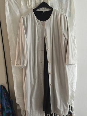 Lange witte suède jas