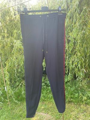 Navy/purple pants