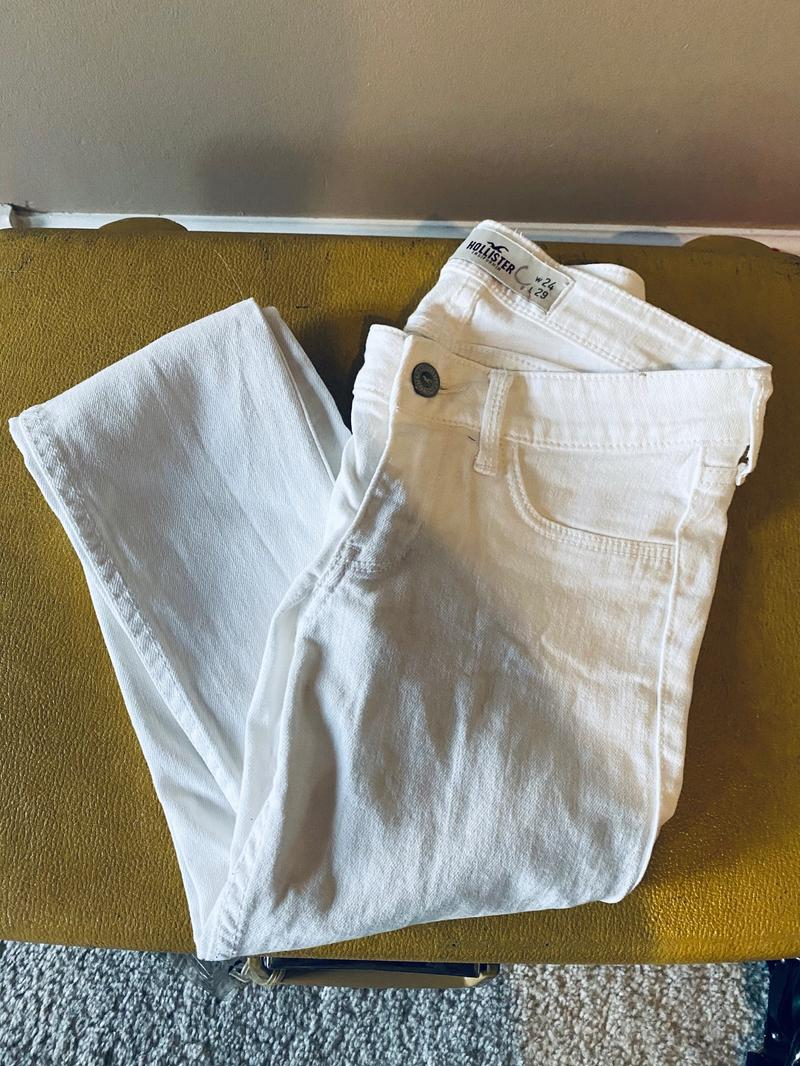 White Jeans 0 Giveaway