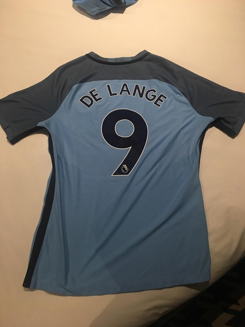 Man city shirt - No 9
