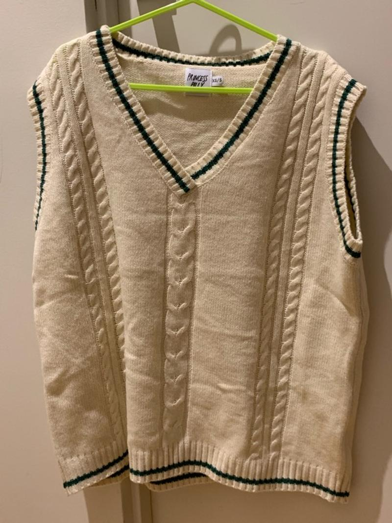yummy vest pretend i wear skirt (it says xsmall but it's pretty oversized)